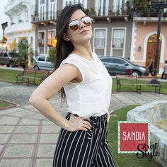 Elegante y divertida!! Luce genial en el party de esta noche con #SandiaStreetStyle