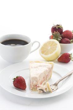 Delicious low carb summer dessert recipe. Frozen strawberry lemonade pie.