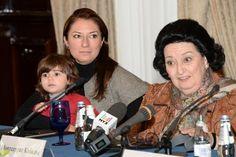 Montserrat Caballé, con su hija y su nieta, una rueda de prensa en familia