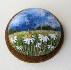 New Crafts, Arts And Crafts, Felt Brooch, Brooch Pin, Felt Pictures, Fibre And Fabric, Needle Felting, Wool Felting, Felt Diy