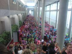 Over 16,000 people @ Thirty One's National Conference! Woohoo!  www.mythirtyone.com/MercedesCordero