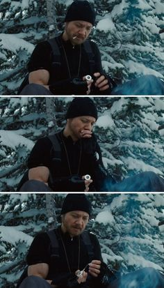 Jeremy Renner as Aaron Cross in The Bourne Legacy