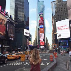 NYC's Times Square - The Top Instagrammed Design Destinations In The U.S. - Photos