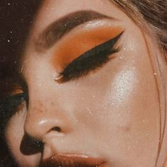 eyeliner and an orange eye.Sharp eyeliner and an orange eye. Makeup Goals, Makeup Inspo, Makeup Art, Makeup Tips, Makeup Ideas, Makeup Style, Makeup Geek, Movie Makeup, Cat Makeup
