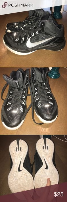 Nike Hyper Dunk Basketball shoes Like new. Slight dirt that can be wiped off. Shoes Sneakers
