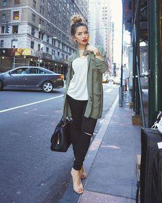 """""""New York Vibes ______________________________ Jacket & High waisted jeans @hotmiamistyles Tan heels @lolashoetiquedolls (use code iluvsarahii) -Purse #LV #iluvsarahii #newyork #hotmiamistyles #lolashoetique #bunlife"""""""