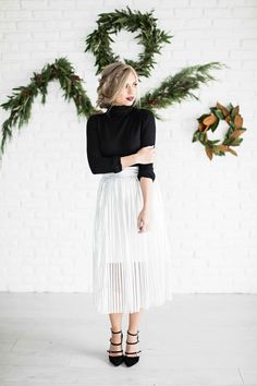 Holiday dress, holiday shoot, metallic, new years eve, metallic skirt, silver skirt, fashion, shop, style, blonde hair, holiday hair, blonde hair, vivian makeup artist, ootd, womens fashion, holiday makeup