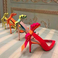 The #MustOwn bow shoe from Nicholas Kirkwood on Moda Operandi http://moda.cm/kirkwoodss15