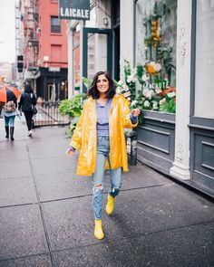 Rain coat Photography - - Rain coat Outfit Ideas - Rain coat For Women Columbia - - Raincoat Outfit, Mens Raincoat, Stylish Raincoats, Raincoats For Women, Rainy Day Outfit For Spring, Outfit Of The Day, Spring Outfits Women Casual, Summer Outfits, Nyc Fashion