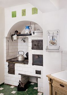 Old house in Świeradów-Zdrój / Poland Wood Stove Cooking, Kitchen Stove, Old Kitchen, Küchen Design, Interior Design, Old Stove, Rustic Kitchen Design, Kitchen Furniture, House Plans
