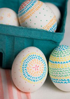 60 Best Easter Egg Designs - Easy DIY Ideas for Easter Egg Decorating Easter Egg Designs, Easter Egg Crafts, Coloring Easter Eggs, Egg Coloring, Easter Colors, Hoppy Easter, Easter Bunny, Easter Activities, Easter Celebration