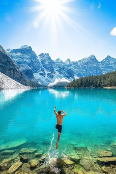 Good morning and have a wonderful day ✨✨ Jumping into Moraine Lake, Alberta - Canada. Picture by ✨✨ Wonderful Places, Beautiful Places, Amazing Places, Amazing Things, National Geographic Travel, Moraine Lake, Banff National Park, Belle Photo, Beautiful Landscapes