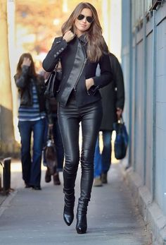 20 Women Leather Pants-Trend For This Season