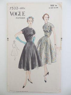 Vogue 7532 | 1951 one-piece dress