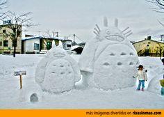Muñecos de nieve divertidos: Totoro.