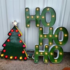 Beautiful metal Light signs de Barrio Antiguo 725 Yale St Houston Texas ( 713) 8802105 available
