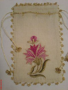 Nakış pics for inspiration Jacobean Embroidery, Hand Work Embroidery, Embroidery Needles, Ribbon Embroidery, Cross Stitch Embroidery, Embroidery Patterns, Machine Embroidery, Knitting Patterns, Folk Embroidery