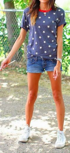 Star print top and denim short combo
