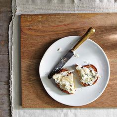 RECIPE: Prosciutto + Apple + Blue Cheese + Honey Crostini from Jewels of New York