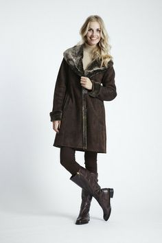 Shearling Coat with Shawl Collar-Hood | Luxury Women&39s Coats on