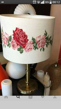 Ev eşyası Hand Embroidery Art, Embroidery Bags, Cross Stitch Embroidery, Cross Stitch Patterns, Embroidery Designs, Cross Stitch Finishing, Lamp Shades, Embroidered Flowers, Bargello