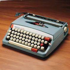 soms nam mijn vader zijn typemachine mee naar huis en mocht ik er een verhaal op typen!