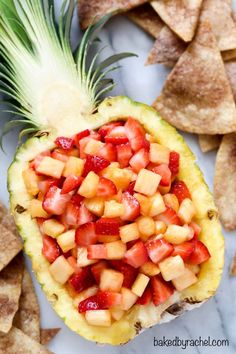 pineapple salsa with cinnamon tortilla chips. A family friendly snack or appetizer! pineapple salsa with cinnamon tortilla chips. A family friendly snack or appetizer!pineapple salsa with cinnamon tortilla chips. A family friendly snack or appetizer! Cinnamon Tortilla Chips, Cinnamon Tortillas, Cinnamon Chips, Healthy Snacks, Healthy Eating, Healthy Recipes, Fruit Snacks, Fruit Appetizers, Tropical Appetizers