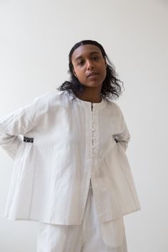 Moda Chic, Science Art, Japan Fashion, Striped Linen, Minimal Fashion, Top Pattern, Shirt Blouses, Blouses For Women, Lounge Wear