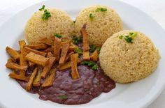 Zdravá výživa môže byť chutná Cornbread, Beef, Chicken, Ethnic Recipes, Food, Workout, Kitchens, Millet Bread, Meat