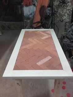 Stolik z cegły