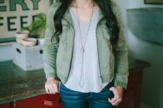 Love outfit and necklace Joanna Gaines Style, Chip And Joanna Gaines, Chip Gaines, Fall Outfits, Cute Outfits, Magnolia Market, Silver Bead Necklace, Me Too Shoes, Fashion Forward
