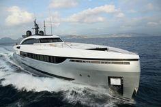 Columbus' Eleonora III Is a Sporty Hybrid Superyacht