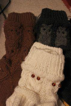 Mimmin mietteet: Pöllösukat ja ohje Crochet Socks, Knit Crochet, Drops Design, Leg Warmers, Mittens, Diy And Crafts, Knitting Patterns, Winter Hats, Gloves