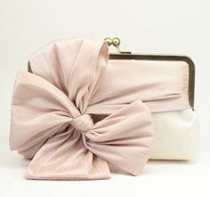 Bridal Clutch / Wedding Clutch / Bridesmaid!!! Bebe'!!! Love the bow!!!