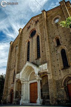 Bologna, Notre Dame, Barcelona Cathedral, Building, Travel, Italia, Viajes, Buildings, Destinations