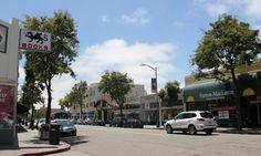 College Avenue shopping district in Rockridge in Oakland, CA
