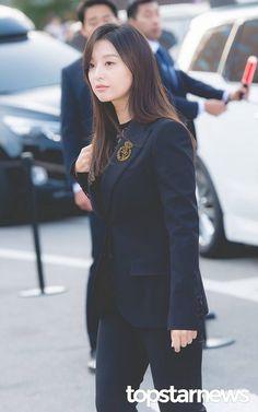 Kim Ji Won xuất hiện xinh đẹp trong đám cưới Song Hye Kyo Korean Actresses, Korean Actors, Korean Celebrities, Celebs, Korea Dress, Kim Ji Won, Song Hye Kyo, Bae Suzy, Cute Asian Girls