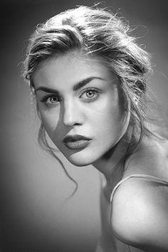 Frances Bean Cobain. Kurt Cobain's daughter <3