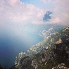 La bellezza della costiera amalfitana #Amalfi #turismoapiedi [Segui i nostri spostamenti su #Instagram: http://instagram.com/allyoucanitaly]