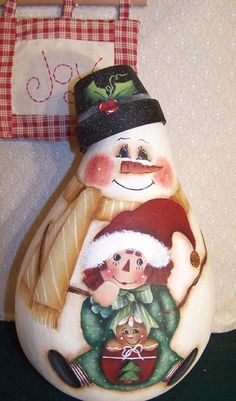 Snowman with Raggedy Ann and Ginger Gourd Pattern Packet by Cindy Trombley 2005 Christmas Snowman, Christmas Crafts, Christmas Decorations, Christmas Ornaments, Christmas 2019, Holiday Decor, Pintura Country, Painted Light Bulbs, Hand Painted Gourds