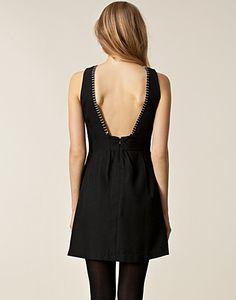 Stevie Dress - Savannah - Svart - Festklänningar - Kläder - NELLY.COM Mode online på nätet