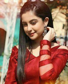 Indian Actress Pics, Bollywood Actress Hot Photos, Beautiful Indian Actress, Beautiful Actresses, Bollywood Celebrities, Indian Actresses, Sweet Girl Photo, Beautiful Girl Photo, Cute Girl Poses