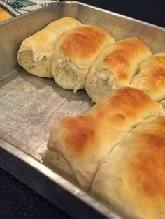 Frugal Homekeeping: Easy-Cheesy Pepperoni Rolls in Minutes! Wv Pepperoni Rolls Recipe, West Virginia Pepperoni Rolls Recipe, Pepperoni Bread, Frozen Bread Dough, Crescent Recipes, Cooking Recipes, Skillet Recipes, Cooking Gadgets, Breads