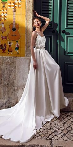 21 Best Of Greek Wedding Dresses For Glamorous Bride ♥ Do you want a greek wedding dress? How about some greek wedding dresses that will give you a taste of what you may be looking for? We have a list of the most stunning wedding gowns that will brighten your wedding day and adorn the beautiful bride. Come have a look at these beautiful gowns! #wedding #bride #weddingdresses #weddingforward Greek Wedding Dresses, Country Wedding Dresses, Princess Wedding Dresses, Boho Wedding Dress, Bridal Gowns, Wedding Gowns, Wedding Bride, Top Wedding Dress Designers, Beautiful Gowns