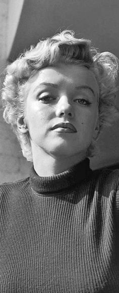 Marilyn Monroe: Iconic image of the Hollywood actress / sex symbol …. Hollywood Glamour, Hollywood Actresses, Old Hollywood, Marlene Dietrich, Brigitte Bardot, Greta, Actor Studio, Marilyn Monroe Photos, Norma Jeane