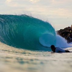 If beauty is in the eye of the beholder, then terror is too. Here's the beholding of both in Western Australia PIC Big Waves, Beach Waves, Surfing Quotes, Surfing Pictures, Western Australia, Getting Out, Ocean, Water, Eye