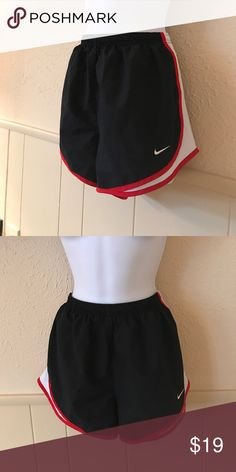 Nike shorts Black and red great condition Nike Shorts