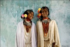 India | Dongria Kondh girls, live only in the Niyamgiri Hills in Orissa state, India |   © Jason Taylor