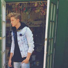 Cody Simpson... Someone grew up..