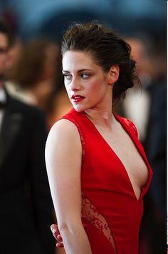Kristen Stewart's extravagant updo.